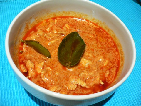 thairedchickencurry1.jpg